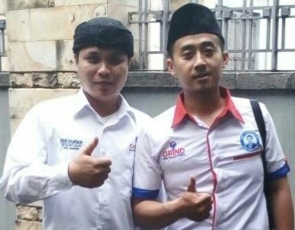 Ketua DPD GRIND Kab. Bandung Ruri Ramdhani ( Kiri ) dan Sekretarisnya Rony ( Kanan ) saat di wawancarai Media OLNEWS INDONESIA