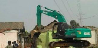 Saat di Lakukan Pembongkaran Tempat Lokalisasi di Desa Limusnunggal Kecamatan Cileungsi Kabupaten Bogor