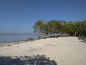 Suasana Pantai Galuh Indah Permai