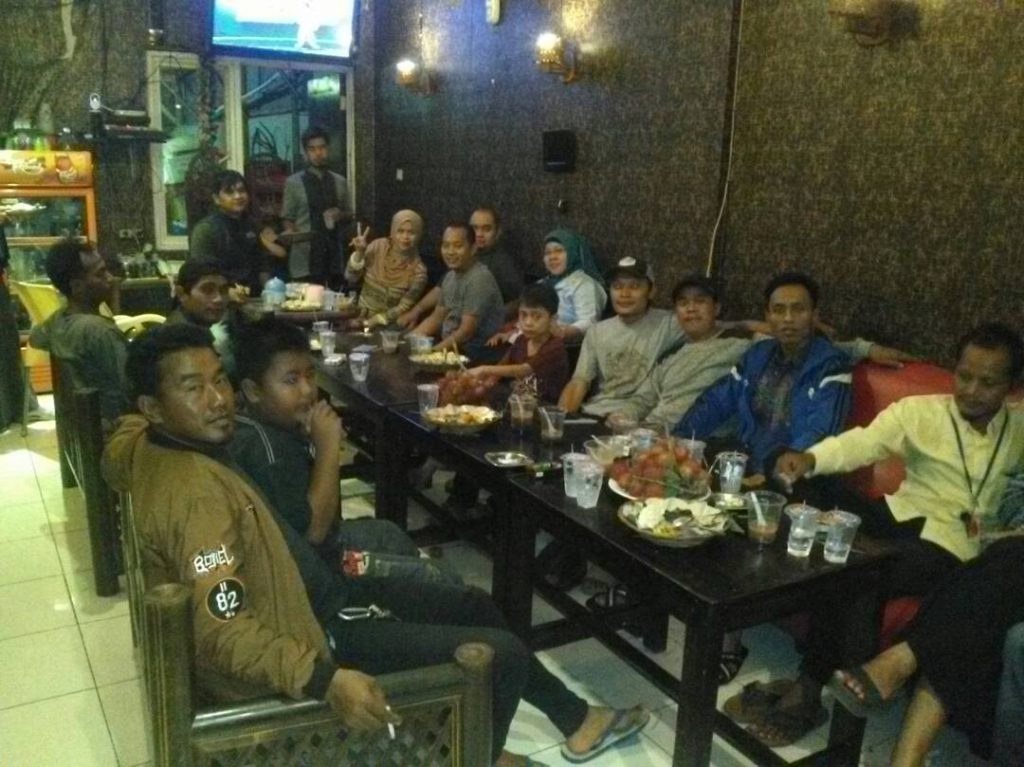 Suasana Santap Bukber Alumni SDN Limusnunggal 02
