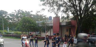 Berbagi Takjil Suporter Persib Bandung Distrik Cileungsi (Viking Cileungsi)