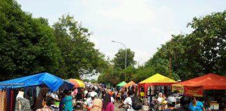 Tampak Ramai Pasar Kaget Di Sepanjang Ruas Jalan Cileungsi