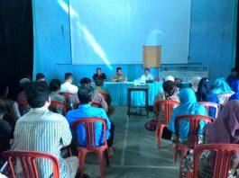 Suasana rapat Loka Karya dengan warga cisalak, Subang.