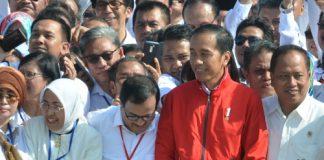 Presiden Jokowi berfoto bersama peserta Deklarasi Kebangsaan Perguruan Tinggi se-Indonesia Melawan Radikalisme, di Peninsula Island, Nusa Dua, Kab. Badung, Bali, Selasa (26/9) pagi.