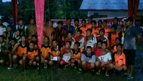 Foto: Club Volly Putra U-16 Harian Nauli Juarai Tournamen Volly U-16 Se-Kabupaten Samosir