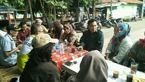 Foto :  Kegiatan Silaturahmi Para Aktivis Dari berbagai elemen Masyarakat,Ormas,LSM yang tergabung dalam FKOB(Forum Komunikasi Ormas Bekasi)