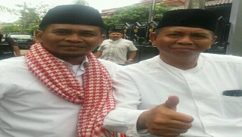 foto : Ketua Panitia Tabligh Akbar yakni Hermawan Bersama Anggota DPRD Kota Bekasi H.Tabrani