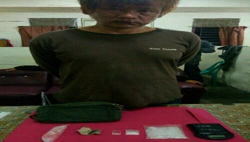 Foto : tersangka dan barang bukti telah di aman mapolres Karo.