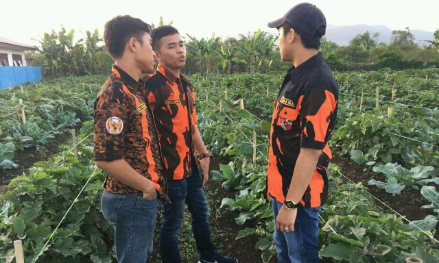 Foto : Pengurus SAPMA PP Kabupaten Karo Meninjau langsung Lokasi Desa Gurukinayan.
