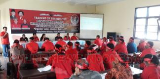 Training of Trainer(TOT) pelatih saksi/ Regu Penggerak Pemilih (Guraklih) di PPWG Zentrum GBKP Kabanjahe, Jumat (16/3/2018)