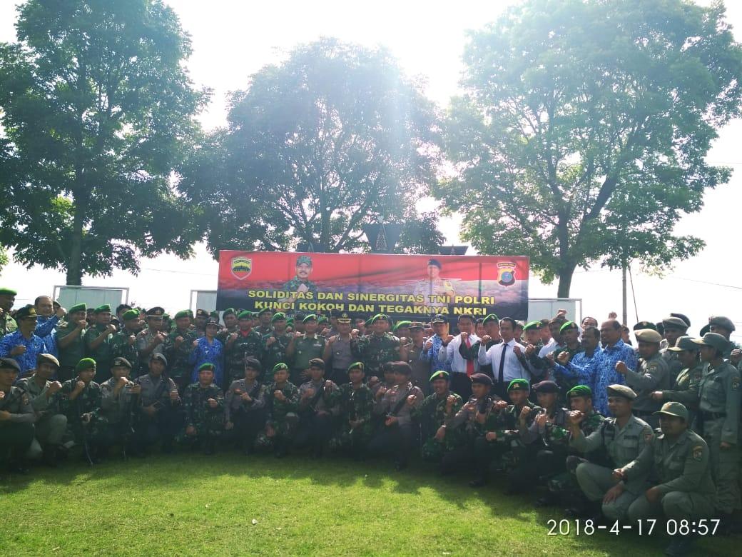 Ket foto : Usai Upacara Foto bersama TNI dan Polri