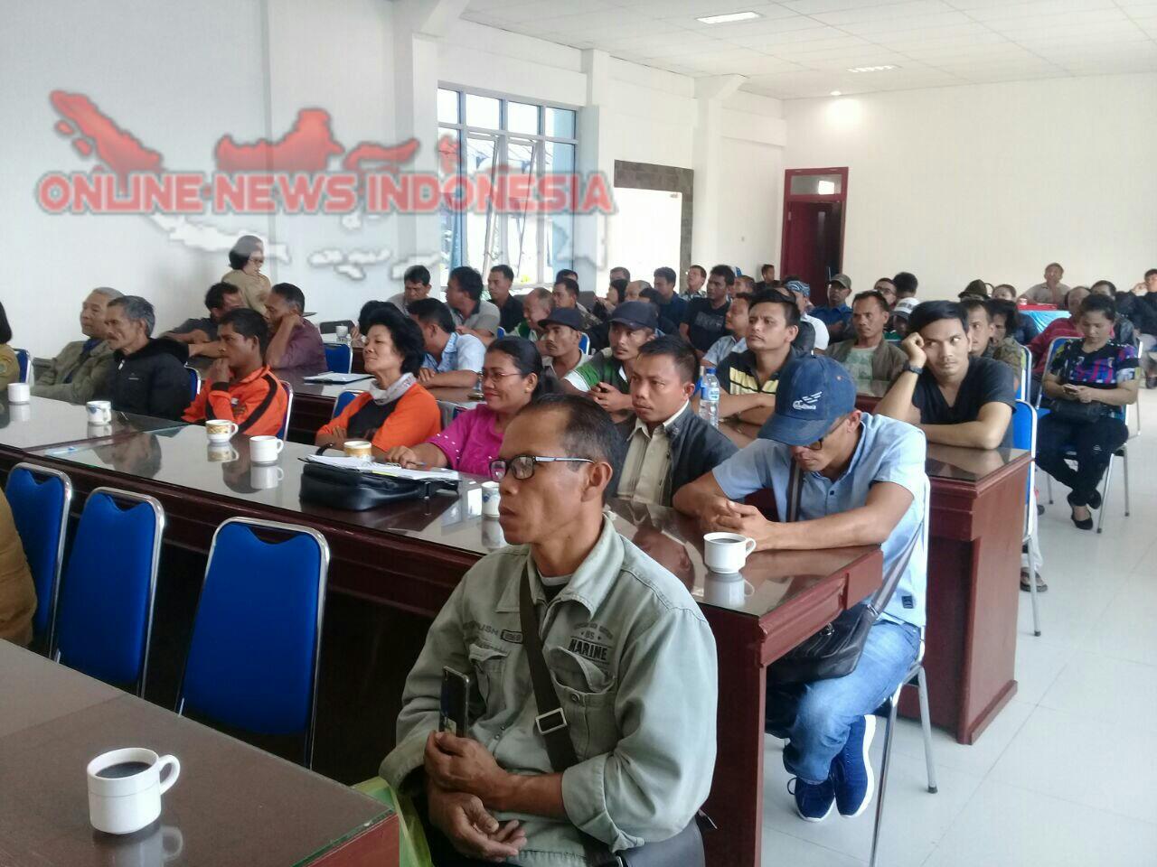 Foto : Para Pangkalan LPG bersubsidi 3 Kg hadiri rapat koordinasi ketersediaan dan pemerataan harga eceran tertinggi di kabupaten Samosir
