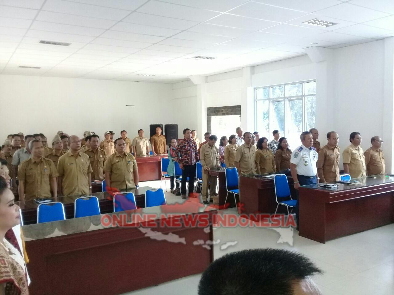 Foto : Pimpinan OPD dan Pejabat Administrator maupun ASN ikut hadir pada pelantikan empat pejabat tinggi pratama di Aula Kantor Bupati
