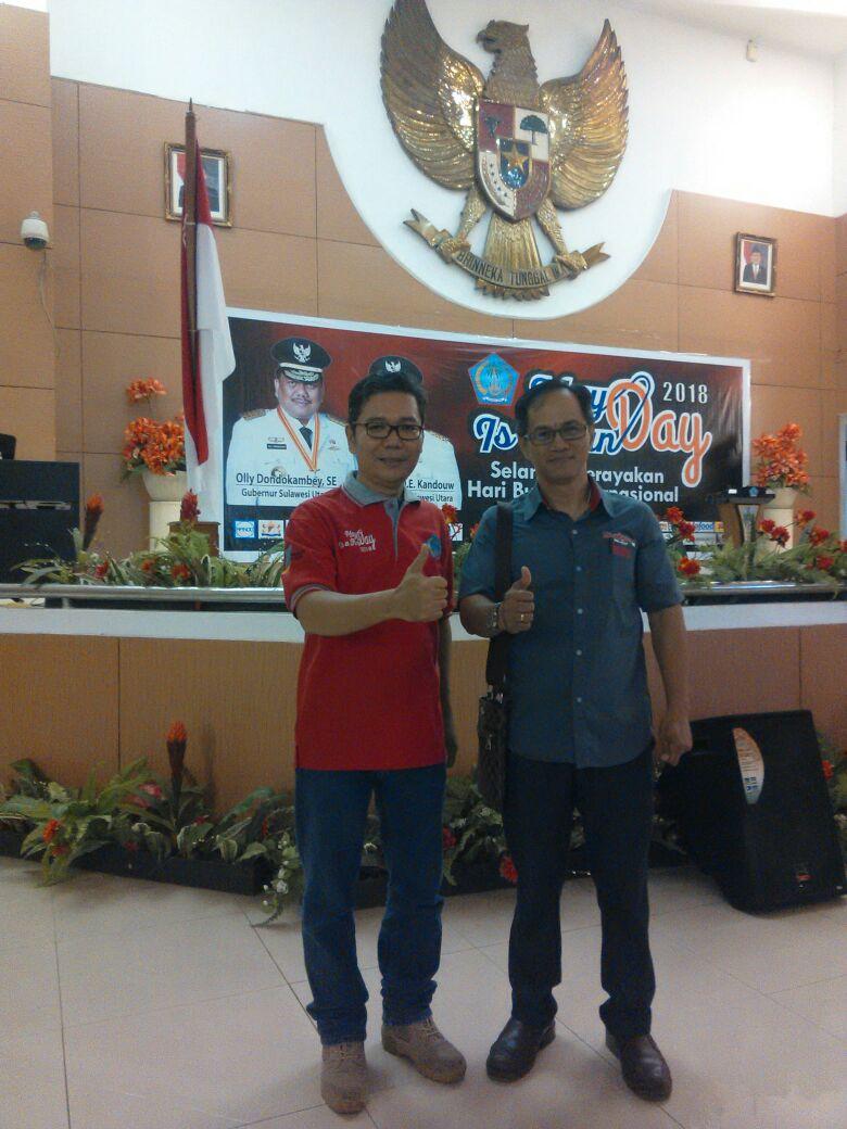 Tommy Sampelan,SE Ketua KPSI Sulut (Kiri) Bersama Wartawan OLNewsindonesia.
