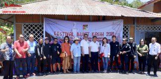 Pj Bupati Minahasa Drs. Royke Mewoh DEA berfoto bersama undangan