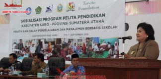Wakil Bupati Karo Cory Sriwaty Br Sebayang saat memberikan sambutan dalam sosialisasi program pelita pendidikan di Aula kantor Bupati Karo, Senin, (17/9)