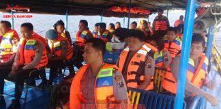 Kapolres Samosir AKBP Agus Darojat Lakukan Pengawasan Penyeberangan Danau Toba