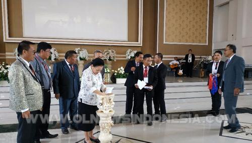 Pencabutan Undian Nomor Urut Peserta Oleh Ketua MD GPDI Sulut Pdt. Yvonne Awuy-Lantu