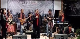 Bupati Karo sangat mengapresiasi grop Musik Sada Kata saat memberikan sambutan nya dalam Launching Album Perdana Group Sada Kata di Cafe Jabu Berastagi