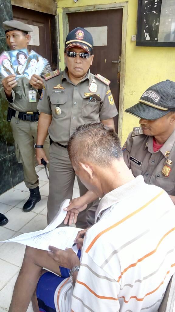 Pemberian SP 1 kepada pemilik THM dan Warung Remang Remang desa Limusnunggal kecamatan Cileungsi Kabupaten Bogor