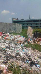 Lahan Metland dijadikan tempat pembuangan sampah