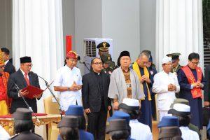 Menag Lukman Hakim Saifuddin memimpin doa pada upacara Peringatan Hari Lahir Pancasila Tahun 2017 di Jakarta.