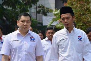 Hari Tanoesudibjo Pemilik MNC Group yang juga Ketua Umum DPP Partai Perindo (Kiri) dan Ade Wardhana Adinata (Kang AW) Ketua Dewan Pimpinan Partai PERINDO Jawa Barat (Kanan)