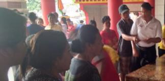 Pembagian Sembako Hari Cioko Klenteng Pasar Lama Cileungsi