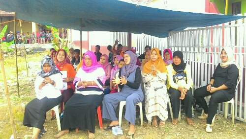 Foto : Warga Desa Mayang antusias mendengar pemaparan visi dan misi calon Kepala Desa