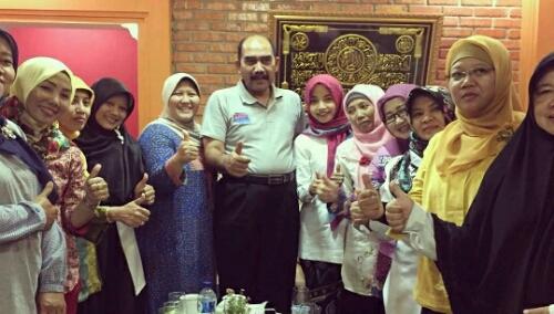 Dukungan Dari Kaum Wanita yang berharap agar Lutfhi maju dalam Pilkada Kab.Bogor dan mampu membawa Kab. Bogor dalam pembangunan kedepannya yang lebih baik dan memberi prioritas yang lebih  kepada kaum Wanita untuk berkarya.