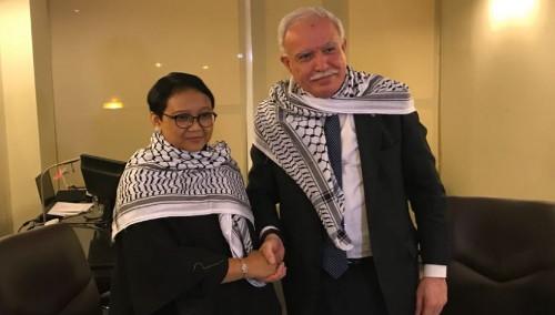 Menlu Retno Marsudi bertemu dengan Menlu Palestina Riad Malki, di Amman, Yordania