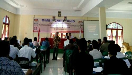 Foto: Suasana Bimtek Coklit oleh KPU kabupaten Samosir Sumatera Utara, di Wisma Op.Rimdo Desa Rianiate Pangururan Samosir