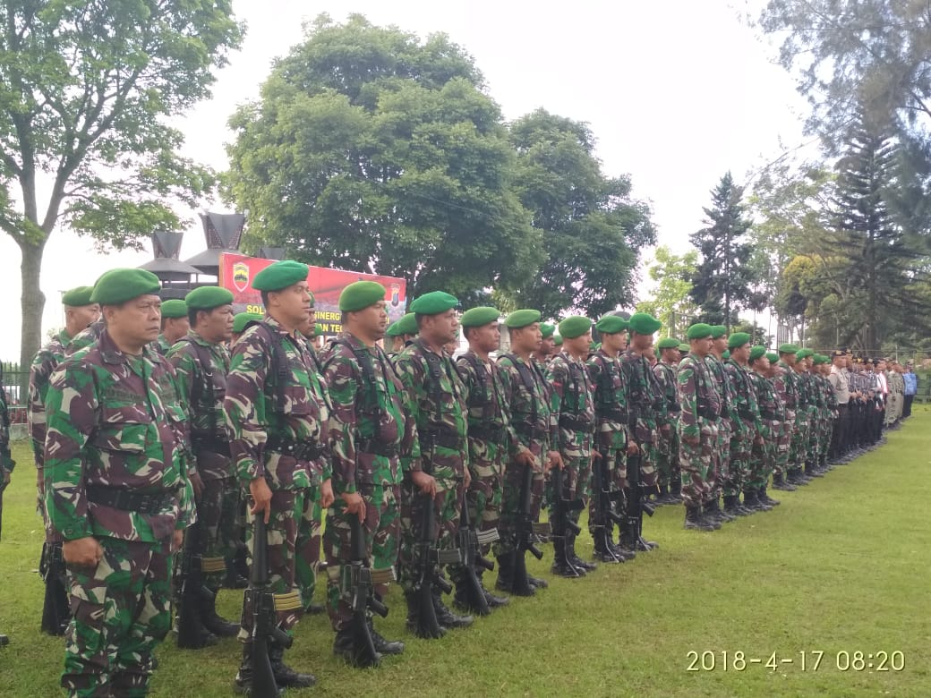 Ket foto :Suasana Satuan TNI - Polri dan ASN saat mengikuti Upacara