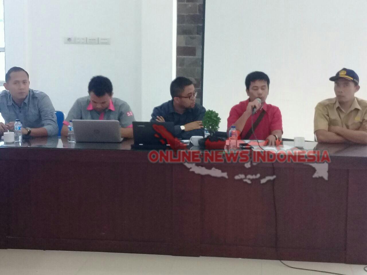 Foto : Agen rekanan PT. Pertamina Persero, CV.Polten (baju merah) dalam arahannya kepada para pangkalan untuk mematuhi peraruran yang berlaku perihal harga eceran LPG bersubsidi 3 Kg.
