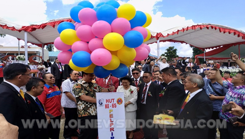 Pelepasan Balon Gas HUT Pelprip GPDI Sulut Ke-65 Oleh Wagub Sulut Drs. Steven Kandouw