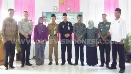 Photo Bersama Pjs.Kepala Desa Darmaga mantan Kepala Desa dan Musfika kecamatan