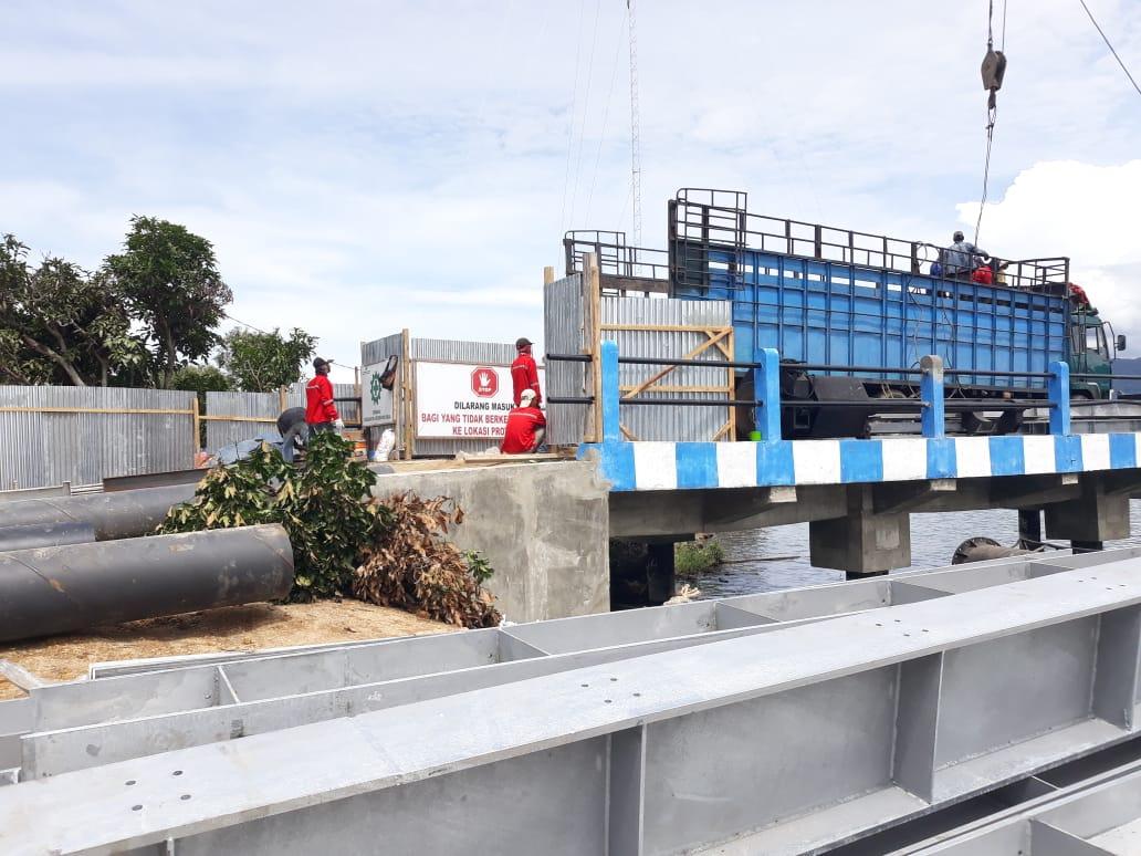 Foto : Pembangunan Pelabuhan Penyeberangan Dermaga Ambarita Simanindo Samosir yang hampir rampung dikerjakan PT.UMEGA PRATAMA.