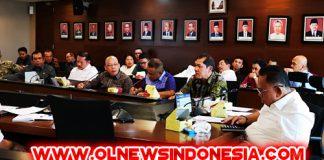 Bupati Karo saat mengikuti rapat di gedung utama Lt. 3 jalan Patimura Kebayoran Baru Jakarta, Kamis (07/02) 2019