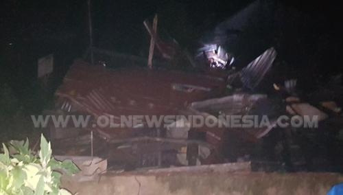 Rumah warga yang di terjang oleh Angin Puting Beliung di desa Suka ramai Kecamatan Munte, Rabu malam (06/03) 2019