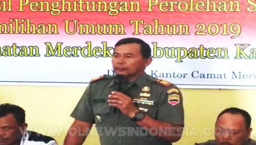 Danramil Simpang Empat Kapten Kav J.Surbakti saat memberikan sambutan dalam rapat Pleno penghitungan suara Pemilu 2019 di Aula Kantor Camat Merdeka Kabupaten Karo, Sabtu (20/04) 2019