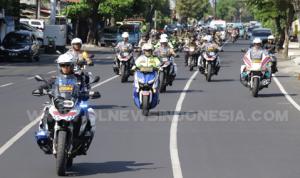 Kapolda Sulut Melakukan Patroli Gabungan Polri Dan TNI Menggunakan Sepeda Motor