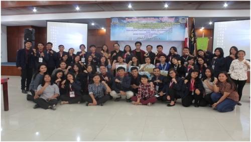 Foto : Panita foto bersama dengan  Pemenang lomba KARTUN