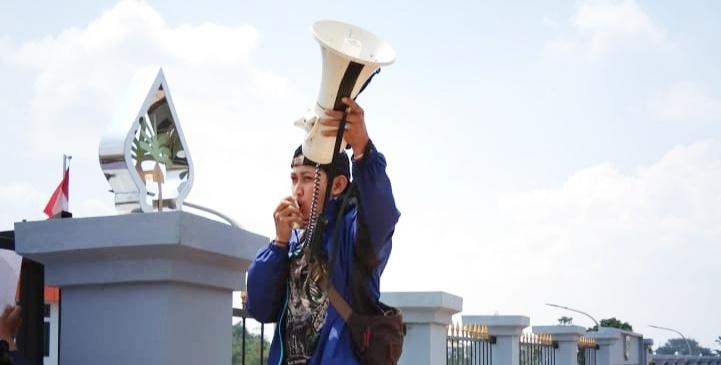Reza Sang Ardiya tengah berorasi (Foto:Doc.OL News Indonesia)