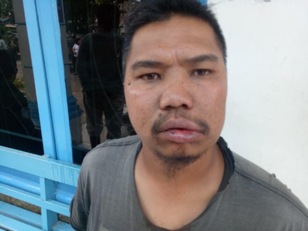 Ket foto  : Korban selaku ketua ranting Karang Taruna Desa Bunuraya Baru