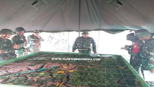 Ket Foto : Prajurit jajaran Brigif 7/RR menggelar Uji Siap Tempur (UST) kemampuan naluri bertempur prajurit Batalyon Infanteri 122/TS di medan tempur. (Ist)