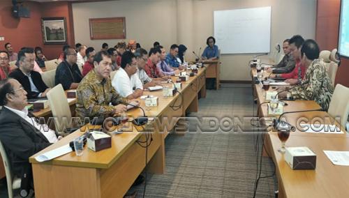 7 Bupati Tandatangani Surat Kesepakatan Bersama Bentuk Komitmen Jalan Alternatif Medan Berastagi Dihadapan Ketua Komisi D DPRD Sumut