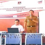 Camat Tompaso, David Umboh SSTP MAP sedang memberi sambutan pembukaan didampingi oleh Staf Khusus Bupati Minahasa Bidang IT