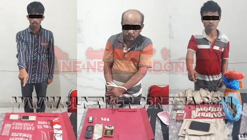 Tiga Tersangka bersama barang buktinya saat diamankan petugas di Polres Tanah Karo