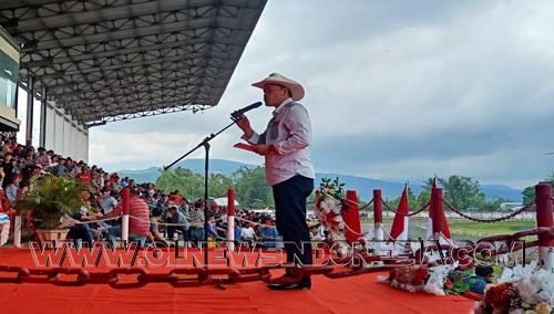 Mewakili Bupati Minahasa Kepala Dinas Pemuda dan Olahraga Minahasa Vecky Tanor memberikan sambutan pada pembukaan kegiatan