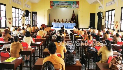 Ket foto : Para peserta ASN /PNS lingkup Pemkab Karo yang mengikuti ujian penyesuaian Ijazah di Zentrum Kabanjahe, Senin (02/12) 2019 (Ist)